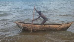 Fortbewegungsmittel in Malawi: Einbaum-Kanu